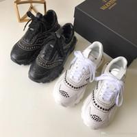 buenas marcas de zapatos de cuero al por mayor-Calzado de lujo de lujo y confort de marca de moda de cuero de súper buena calidad para mujer, caja de embalaje original en blanco y negro