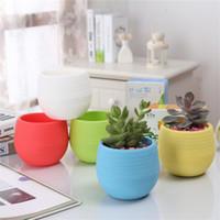 saksı ekici toptan satış-7 * 7 cm Mini Saksılar 5 Renkler Yuvarlak Plastik Yetiştiricilerinin Sızıntı Su Delik Tasarım Saksı Etli Bitkiler Bahçe Bonsai Pot Ev Dekor