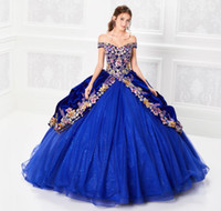 ingrosso abiti di glitter per ragazze-2019 Royal Blue Quinceanera Abiti al largo della spalla Glitter Appliqued Lace Ball Gown Girls Pageant Dress Formal Prom Gowns