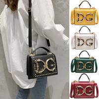 yumuşak dayanıklı kumaş toptan satış-Moda Çanta 7 renk Kadınlar Harf perçin omuz çantası Şık Crossbody Küçük Messenger Çanta Bez çanta çanta Toptan JY969