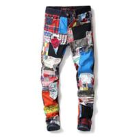 styles de vêtements punk achat en gros de-jeans de designer pour hommes Mode Rétro Droite Moto Biker Drapeau Jeans Streetwear Style Punk Coloré Drapeau Denim Pants Vêtements En Gros