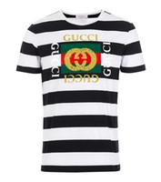 ingrosso magliette bianche nere di strisce-T-shirt nuova moda abbigliamento sportivo estivo T-shirt da uomo a maniche corte uomo a righe bianche e nere manica corta