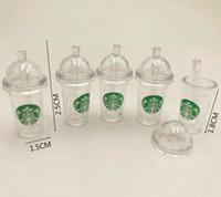 mini tasses de starbucks achat en gros de-Dollhouse Miniature Cups Mini KFC Starbucks Coke Cup Accessoires Maison de poupée petite taille et Chic 1:12 Taille