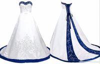 ingrosso vestito lungo blu reale per la cerimonia nuziale-Royal Blue And White Wedding Dress Ricamo Princess Satin Una linea Lace up Back Court Train Paillettes in rilievo lungo abiti da sposa economici