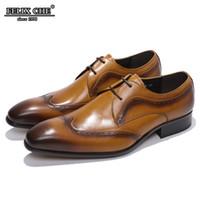 cordes de chaussures de couleur italienne achat en gros de-MODE DESIGN ITALIEN DE LUXE HOMMES FORMELS CHAUSSURES MARRON AILES AIGUILLE BROGUE VRAI CUIR