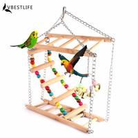 macaws papağanı toptan satış-Papağanlar Oyuncaklar Salıncak Egzersiz Tırmanma Asılı Merdiven Köprü Çan Ile Ahşap Gökkuşağı Pet Papağan Amerika Papağanı Hamak Kuş Oyuncak A46 Q190529