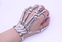 pulseras góticas para mujer al por mayor-Hiphop Skull Skeleton Bracelets for Women - Discoteca Gothic Punk Halloween Finger Bone Bracelets Bangles Cool Gift (Oro Plata)