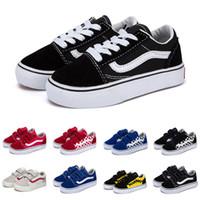 ingrosso ragazzi appartamenti-Vans 2019 Nuove scarpe da ginnastica in tela old skool per bambini scarpe per bambina bambina scarpe da skateboard nere bianche blu moda scarpe casual