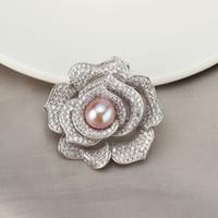 broş taşlar toptan satış-Lüks Kristal Altın Çiçek Broş Kadınlar Doğal Inci Broş Taş Yaka Iğneler Takı için Kadın Düğün Eşarp Aksesuarları