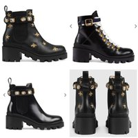 grobe lederschuhe groihandel-Heiße Verkaufs-Leder-Stiefel Frau Lederschuhe Factory Direct Female rauen Ferse Rundkopf Lace Up-Band-Gürtelschnalle Ankle Boots Martin Stiefel