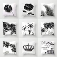 ingrosso divano bianco arredamento-Bianco e nero Palm Tree Crown Rose Ananas Cuscino Covers Modern Decor Federe 44X44cm Sofa Chair Deocr