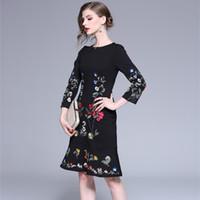 ingrosso le donne popolari si vestono-Alta qualità di marca di lusso ricamo fiori Vintage Indie Folk Dress Nuovo 2019 primavera donne eleganti abiti da sirena del partito
