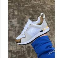 6f9bf2cd3 Mais novo 2019 Design Sapatos de Marca de Luxo Das Mulheres Dos Homens de  Corte Baixo Casual Run Away Shoes França Marca Homens Mulheres Sneakers  Loafers ...