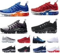volt ayakkabıları toptan satış-2019 ABD Oyunu Kraliyet TN Artı Tasarımcı Sneaker Koşu Ayakkabıları Üçlü Siyah Beyaz Volt Menekşe Şerit Degrade Erkek Kadın ALÜMİNYUM Günbatımı Eğitmenler