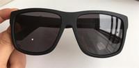 materiais de tabuleiro venda por atacado-Nova venda de designer de moda óculos de sol 1124 frame quadrado características da placa de material popular estilo simples de alta qualidade óculos de proteção uv400