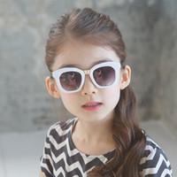 korece gözlük modeli toptan satış-Model F042 Koreli çocuk moda serin güneş gözlüğü boyes ve gilrs gölgeleme göz güneş çocuklar uv 400 gözlük parti hediye