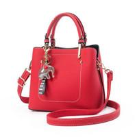kızlar el çantaları yeni stil toptan satış-Kaliteli Bebek Fil Hediye Ile Yeni Stil Bayanlar El Kova Çantası Kız Crossbody Çanta Kadın Omuz Çanta Çanta Bolsas Feminina