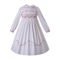 el yapımı bebek çocuklar toptan satış-Pettigirl Beyaz Smocking Kızlar Kızlar Için Elbiseler Bebek Yaka Nakış El Yapımı Smocked Uzun Kollu Çocuklar Giysi Tasarımcısı G-DMGD108-C77