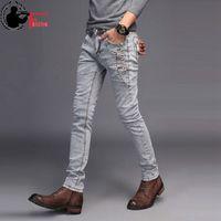 ingrosso moda giovani uomini neri-Jeans Uomo Young 2019 Moda Trend Stile coreano High Street Streetwear Skinny Slim Fit Bottone in denim Pantalone maschio Nero Blu # 360901
