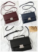 atmosphäre ledertaschen großhandel-Freie Designerhandtasche der Verschiffen 22CM ledernen Schulterbeutellederfrauen und Staubbeutel Retro- Hardware-Art und Weiseatmosphäre