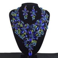 ingrosso collana di cerimonia nuziale del rhinestone blu reale-Royal Blue Statement imposta donne strass di cristallo grande collana orecchini set colorato da sposa gioielli da sposa C18122701