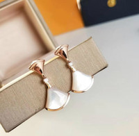 white fans for wedding оптовых-Luxury Wedding Jewelry DIVAS DREAM Earrings Classic White Bell Fan Stud Earrings Women Banquet Party Accessories Jewelry Gifts