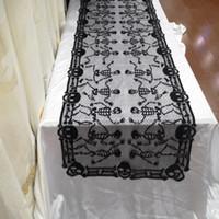 bufandas de encaje blanco al por mayor-46x200cm Halloween Spiderweb Rectangular Mantel Poliéster Encaje Cráneo Camino de mesa Chimenea Bufanda Cubierta para Fiesta de Halloween