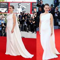 ingrosso abiti da sera in avorio di celebrità-Natalie Portman 2019 Ivory Celebrity Dress Abiti da sera con Cape 73rd Venice Film Celebrity red carpet Dress Abiti in gravidanza su misura