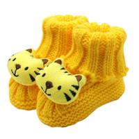 bebê recém-nascido sapatos de crochê venda por atacado-Sapatos de bebê De Lã 2018 Recém-nascidos Menina Menino Macio de Tricô Rendas Crochet Bonito tigre Sapato Fivela Artesanato Outono sapatos Diariamente