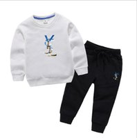 venta de ropa de bebés al por mayor-Ropa de diseñador para niños Chándales para niñas Chándales de marca para niños Abrigos para niños Pantalones 2 piezas / juegos Ropa para bebés Ropa caliente para bebés recién nacidos