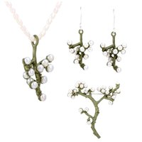 perlenkette brosche großhandel-Großhandel Natürliche Süßwasserperlen Hochwertiger Lack, der Pflaumenblüte Brosche Halskette und Ohrring Vintage Schmuck backen
