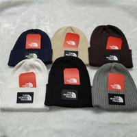 lüks tığ işi toptan satış-Kadınlar Erkekler Marka kasketleri Örgü Kış Şapka Kuzey NF Kış Sıcak Crochet Kıyafetler Yüz Skullets Sport Kayak Beanie Lüks Headwears C101801