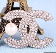 ingrosso spilla stupefacente-40 stili Stunning Clear Diamante Lettera e spilla corona Fine regalo cristalli Pin gioielli Moda donna Dress Broaches Spille di lusso