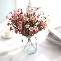ingrosso fiori secchi decorativi-Fiori artificiali Seta finta Bouquet di fiori margherita Flores Artificiales Para Decoracion Hogar Fiori secchi decorativi per matrimonio