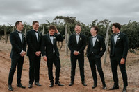ingrosso tuxedo personalizzato su misura-2019 Slim Fit Groom Mens smoking nero Giacche + pantaloni Bridegroom Mens Best Mens matrimonio Tuxuedos Tailor Custom Made
