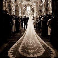 marfim 2t rendas catedral casamento véus venda por atacado-Luxuoso 5 m comprimento catedral véu do casamento laço branco marfim 2 t véus de noiva cabelo de noiva com pente