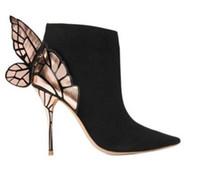 sandalias de adorno al por mayor-Envío gratis 2019 Señoras piel de oveja de gamuza en punta zapatos de tacón alto sólido adornos de mariposa Sophia Webster botas SANDALS ZAPATOS negro 34-42