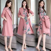moda bayanlar rüzgarlık toptan satış-Sıcak 19 ilkbahar ve yaz taş renk klasik yeni moda bayanlar uzun rüzgarlık ceket + beyaz elbise lüks gömlek ücretsiz kargo ada