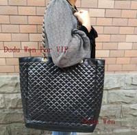 c cadenas al por mayor-Colección de moda enrejado de diamantes Bolsa de la compra con cadena de almacenamiento de lujo acolchado C Mujer de viaje Estuche de almacenamiento Diseñador de moda bolso VIP