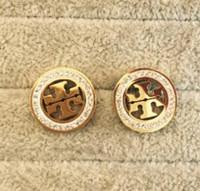 platos de york al por mayor-18 estilos Famoso diseñador de oro plateado oreja Studs moda pendientes de acero inoxidable para mujer niña pares al por mayor nueva york