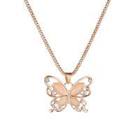 mariposa rosa al por mayor-Bonito collar de mariposa mujeres impecables dama oro rosa colgante de mariposa de ópalo exquisito collar de gargantilla suéter cadena collares de piedra de ópalo