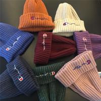 sombreros de lana para niños al por mayor-Champion de diseño Gorros para niños Gorros bordados de lana cálida de invierno Niños Niñas Fedora Gorro Bonnet Niños Marca Crochet Skiing Skull Hats C73105