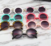 óculos de quadro redondo para crianças venda por atacado-Crianças Rodada Óculos De Sol Das Crianças Do Vintage Armação de Metal Óculos de Sol Moda Óculos De Sol Das Meninas Dos Meninos Verão Praia De Vidro Sol GGA2375