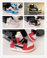 red and bianca adidas scarpe da ginnastica