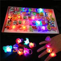 ingrosso giocattoli morbidi della gelatina-Edison2011 2017 Cute Cartoon Natale Halloween lampeggiante LED Light Up Jelly Soft Finger Anelli Luci Flash Toy anello luminoso