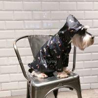 impermeáveis de trincheira venda por atacado-Trench impermeável marca roupas para cães Cão de filhote Método Cat Schnauzer Teddy do que o urso Outono Inverno casaco fashion Raincoat