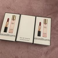 venda quente de perfume venda por atacado-Venda quente 2 pcs = 1 conjunto maquillage matte rouge um batom levre + perfume parfum 20 ml conjunto de maquiagem