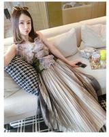 modellbekleidung weste großhandel-Modell Foto Blume gesticktes Kleid-Spitze 3D Weste Halter Top Mesh-gefalteter Rock 2 Stück Set Mädchen tragen