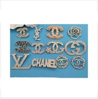Wholesale brand accessories china resale online - Designer Retro Crystal Brooch Vintage top Brand Multicolor Rhinestone Suit Lapel Pin Letter Brooch Pins Jewelry Accessories