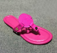 yeni model terlik toptan satış-Yeni moda Bayan modelleri Koyun derisi terlik Klips toe sandalet koyun Patent Deri terlik Büyük boy 34-43 Daha fazla renk lütfen bize ulaşın